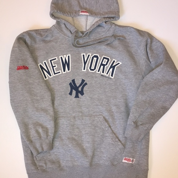 watch 1680f f5df0 New York Yankees Sweatshirt